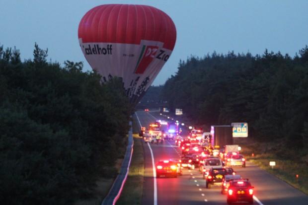 Luchtballon maakt noodlanding op A28